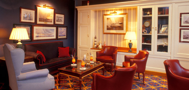 Relax in nautical surroundings in the Captain's Quarters Bar