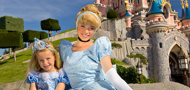 Mingle with your favourite Disney Princesses in Disneyland Park.