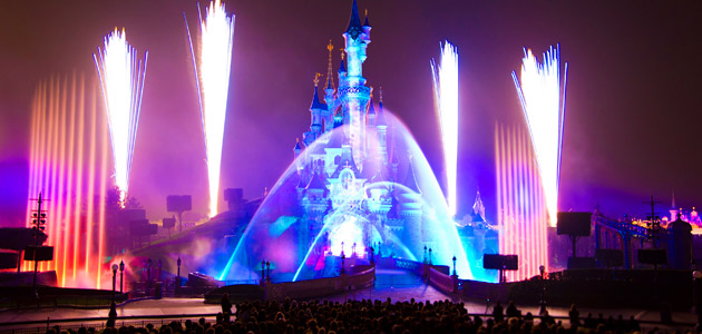 Our spectacular Disney Dreams! sound and light show will make your break even more magical