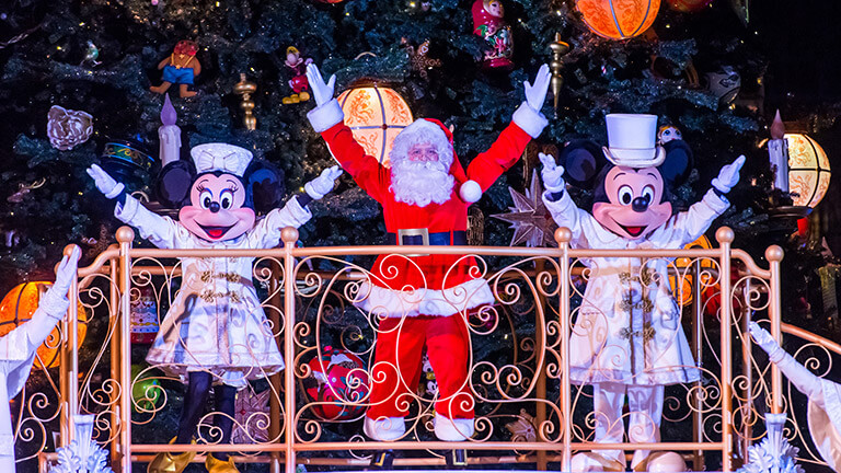 Christmas Minnie Mouse Disneyland.Disney S Enchanted Christmas Disneyland Paris