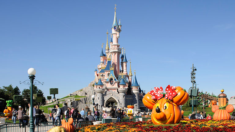 Disneyland Paris Halloween Party 2018.When To Visit Disneyland Paris