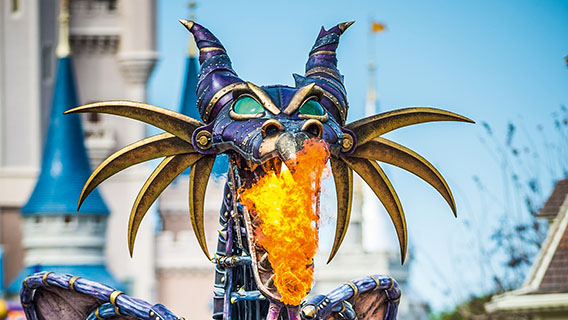 Discover a spectacular new parade with your favourite Disney Characters.