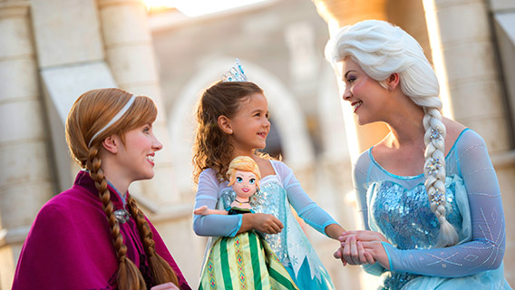 Sing a duet with Anna and Queen Elsa from Frozen with daily meet and greets
