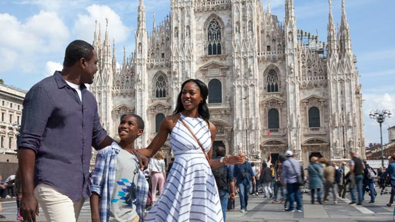 Family visiting the Milan Cathedral
