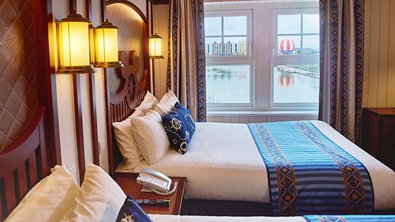Disney S Newport Bay Club Disney Hotels Disneyland 174 Paris