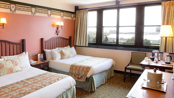 Disney 39 s sequoia lodge disney hotels disneyland paris - Chambre standard sequoia lodge ...