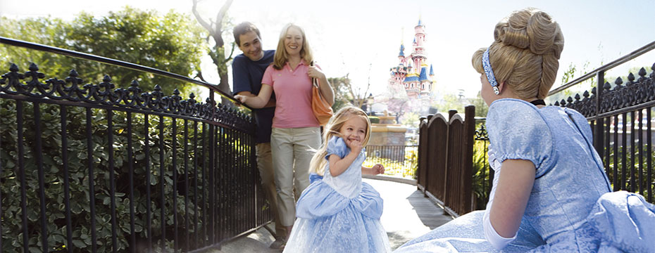 Little girl is very excited to meet Cinderella