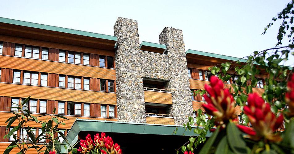 Disney 39 s sequoia lodge disney hotels disneyland paris for Hotel sequoia lodge piscine