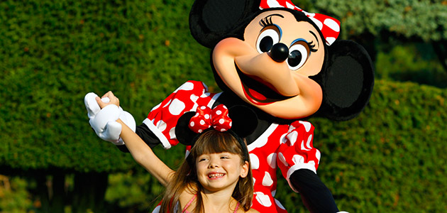 Meet Minnie and friends at Disneyland Park.