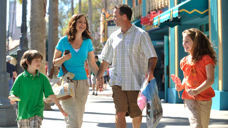 Family enjoying the sun at Disney's Hollywood Studios