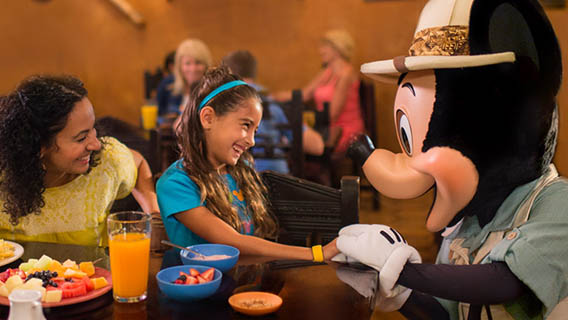 Free Dining in 2020 - FREE Dining and Drinks + $200 Gift Card + Disney's 14 for 7 Ticket!