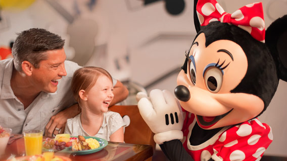 Free Dining in 2020 - FREE Dining and Drinks + $100 Gift Card + Disney's 14 for 7 Ticket!