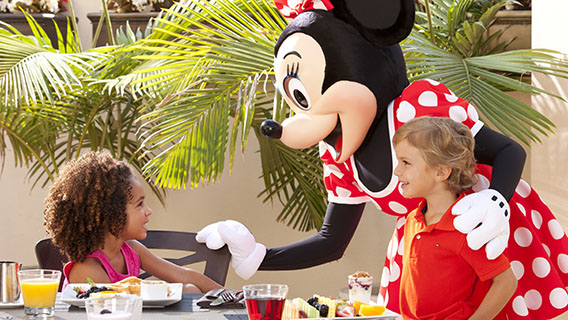 Character dining with Minnie Mouse at the Hilton Orlando